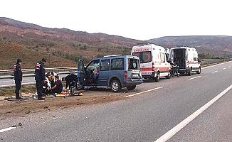 Ticari araç takla attı; 7 yaralı