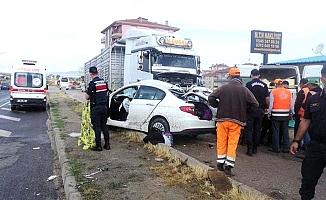 Anne ve 2 çocuğu kazada hayatını kaybetti