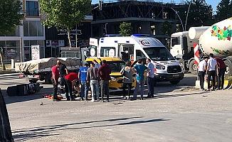 Kurye kazada yaralandı