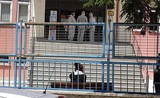 Temaslı öğrenciler ayrı okulda sınava alındı
