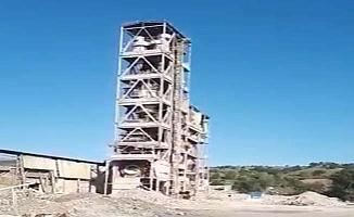 50 yıllık çelik kule böyle yıkıldı