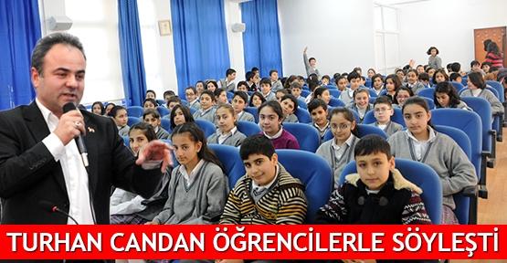 Turhan Candan öğrencilerle söyleşti