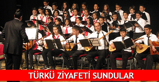 Türk ziyafeti sundular