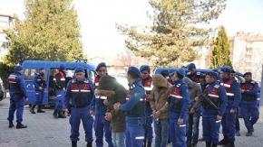 Jandarma'dan şafak operasyonu