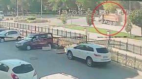 Korkutan kaza güvenlik kamerasında