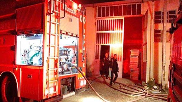 Aşağı Sanayi'de depo yangını