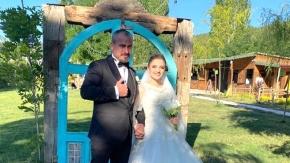 Genç meclis üyesi evlendi