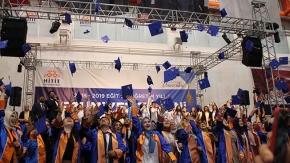 Ağlatan mezuniyet töreni
