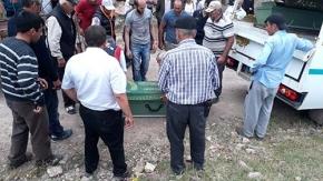Traktör uçuruma yuvarlandı, 3 ölü