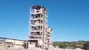 50 yıllık çelik kule yıkıldı